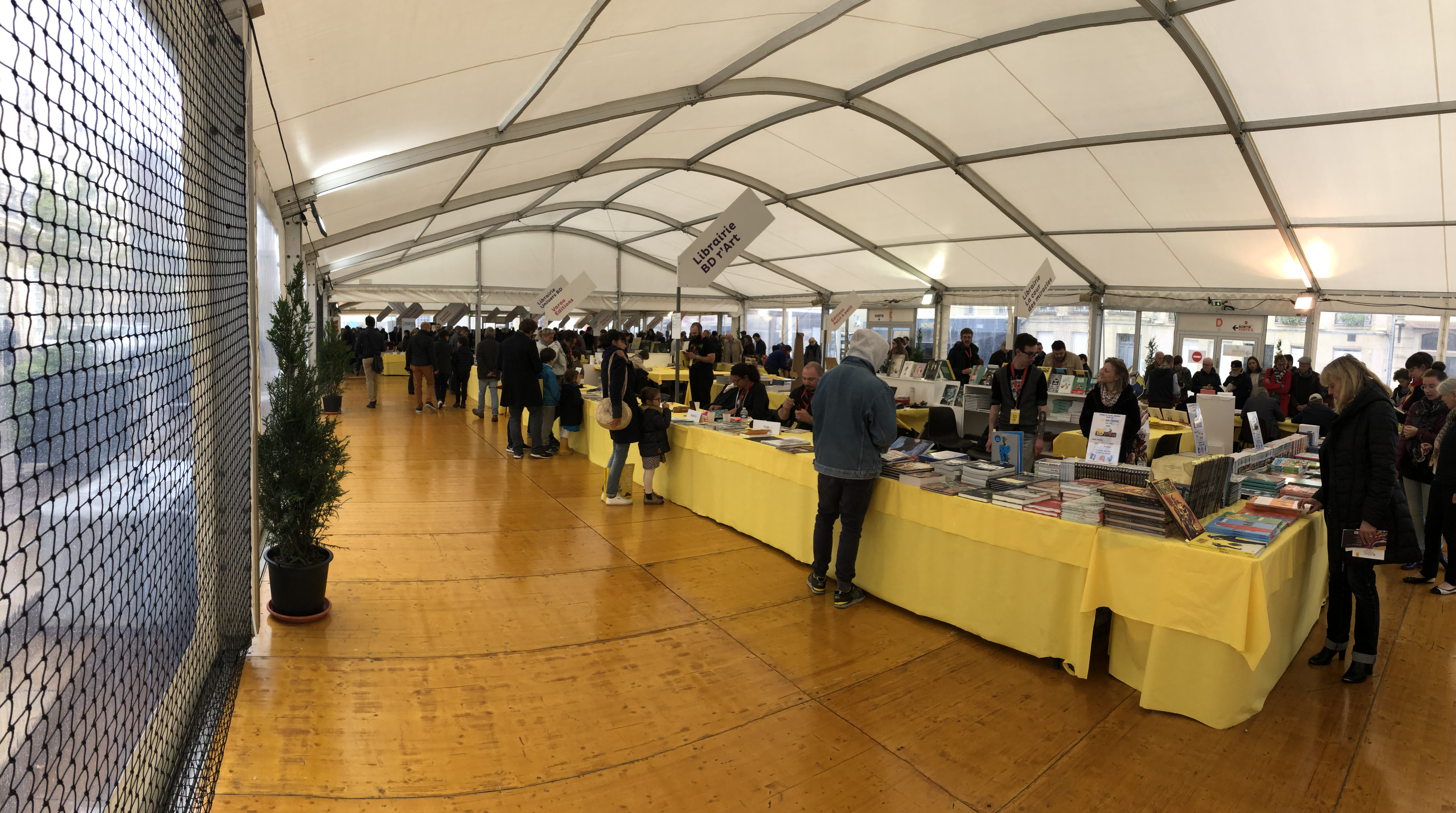 Événementiel - Salon&Foire - Salon du livre à Caen Tente arquée 15M Structure Blanc